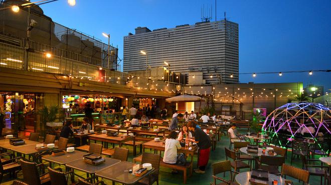 横浜の夜空で美味しくビール!!横浜でビアガーデンがある店15選!!
