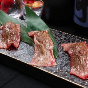梅田最安値 食べ飲み放題 肉寿司 HINATA 梅田東通り店_02